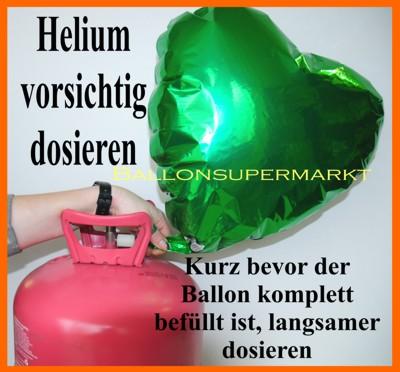Die Feinregulierung des ausströmenden Heliumgases durch das Knickventil verhindert ein übermäßiges Aufblasen