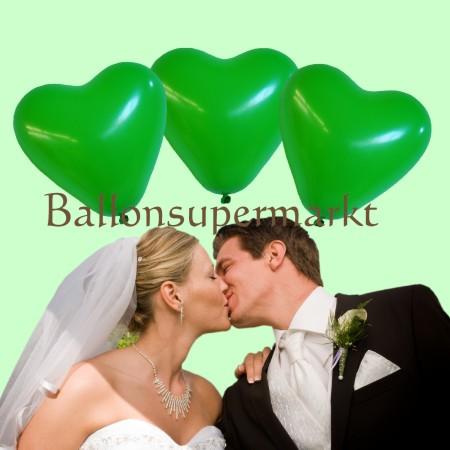 grüne Herzluftballons zu Hochzeit und Petersilienhochzeit